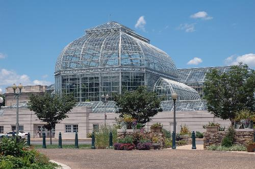 Exceptionnel The United States Botanic Garden Is Located Across From Capitol Hill On The  National Mall In Downtown Washington D.C. It Is Bordered By First Street  And ...