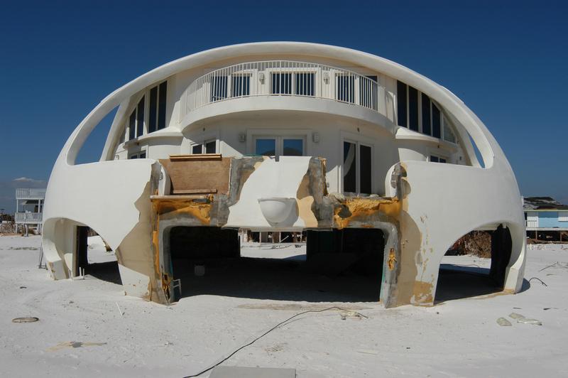 Florida hurricane ivan dr 1551 hurricane tropical for Best house design for hurricanes
