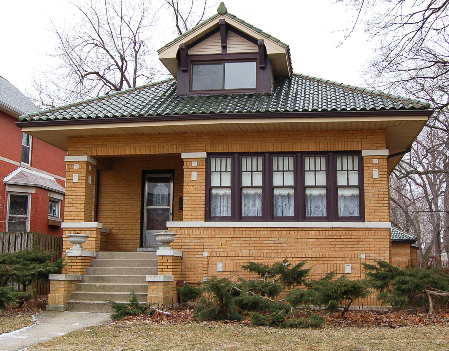 Frank lloyd wright ruined american life with the turn of for Franks homes