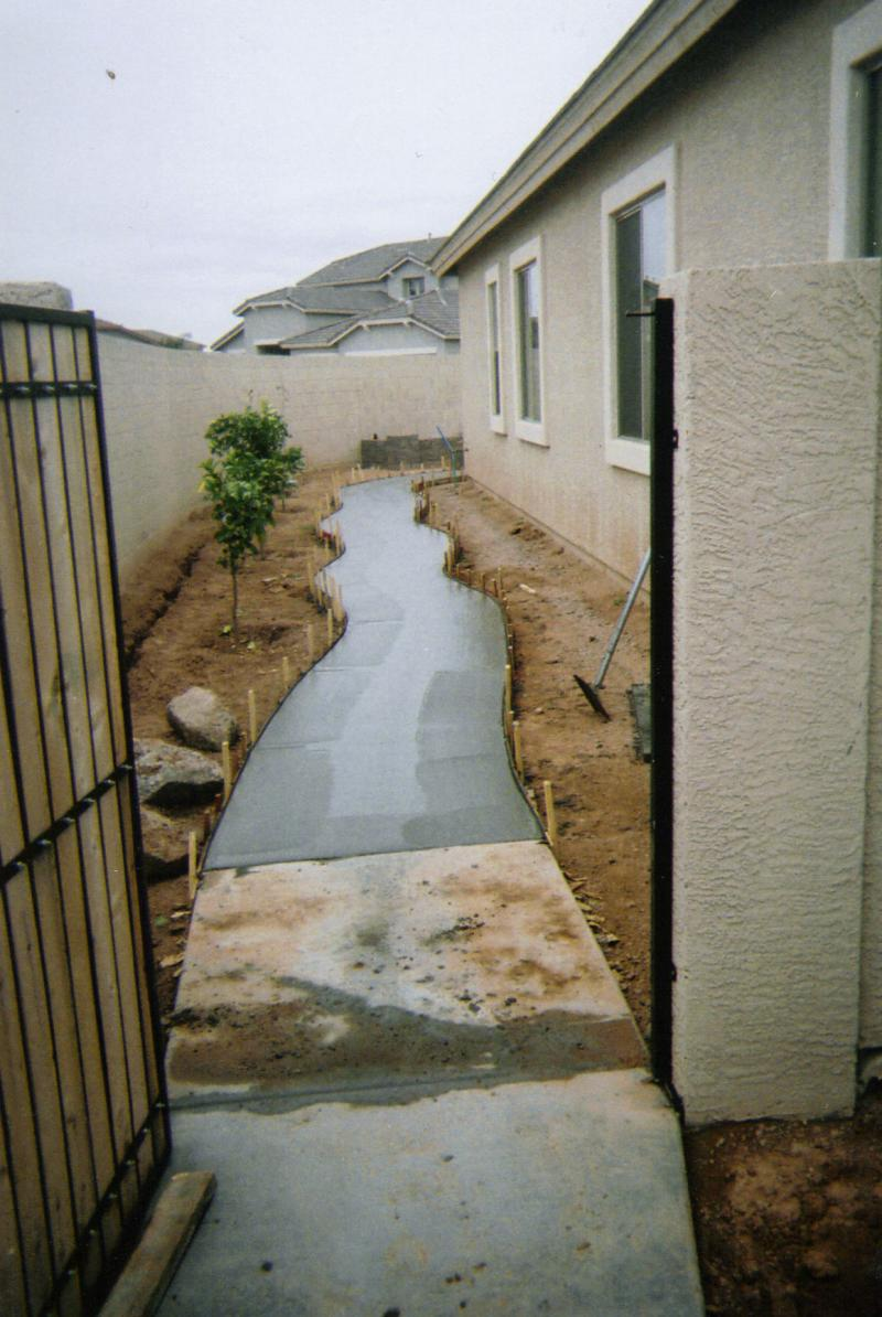why no sidewalk from driveway to backyard austin bowie