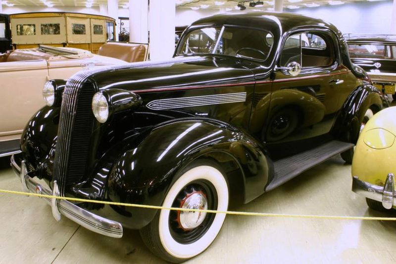Best Car For Traveling Sperson Criteria Included 800px 1936 Pontiac