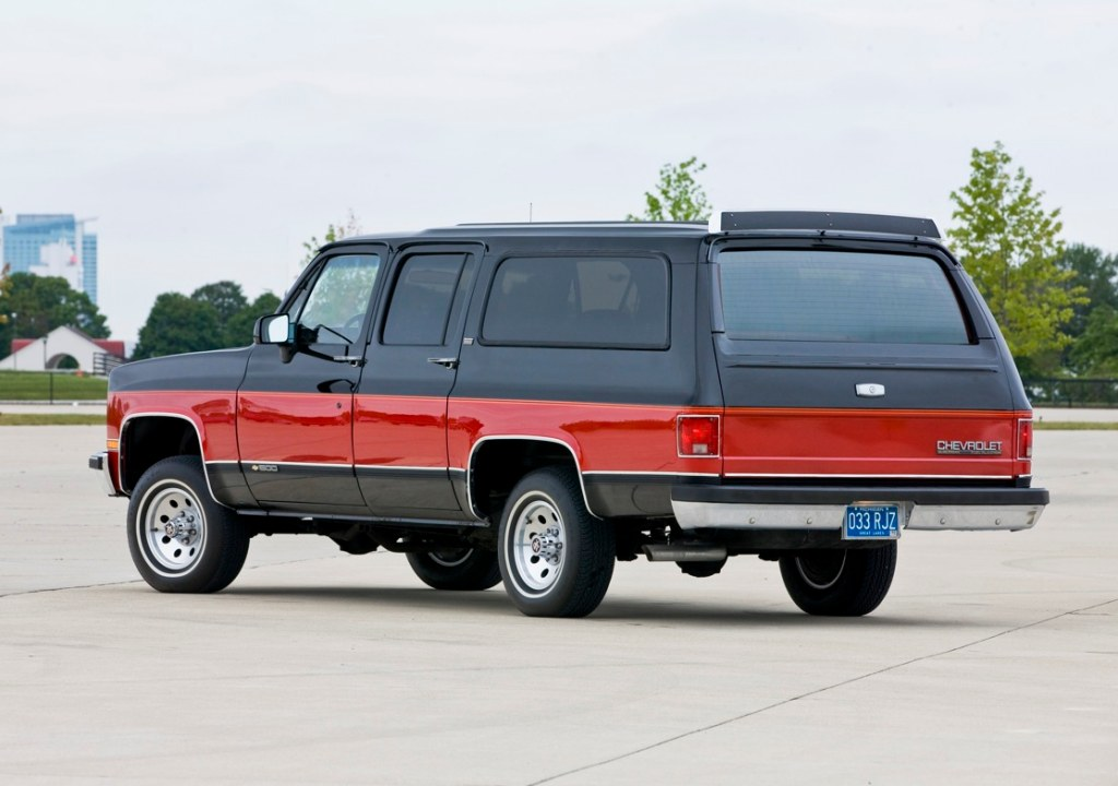 1973 1991 gmc chevy suburbans vs today 39 s suburbans luxury. Black Bedroom Furniture Sets. Home Design Ideas