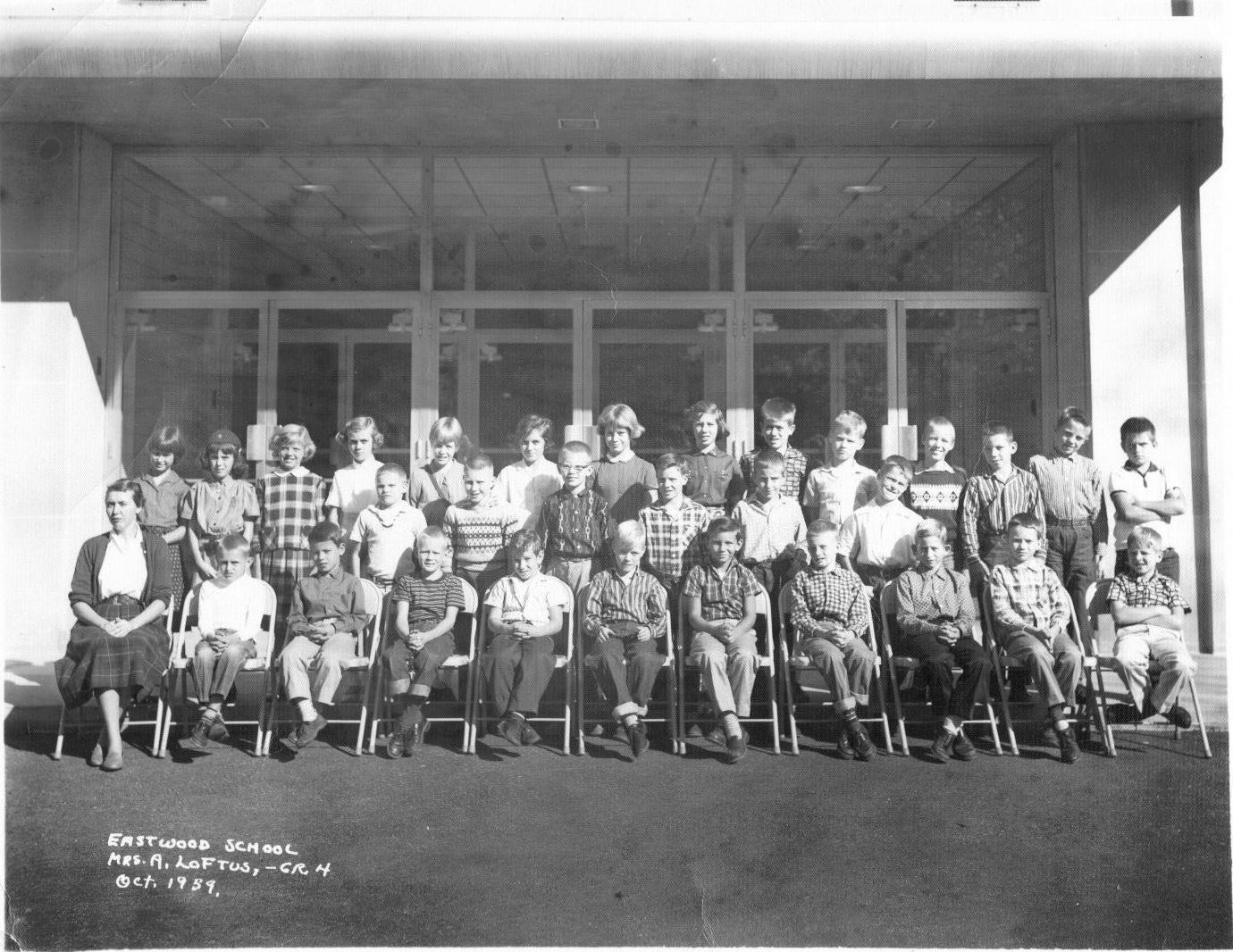 1950 39 s 1970 39 s stratford manor eastwood village cincinnati anna public school garden for Eastwood high school swimming pool