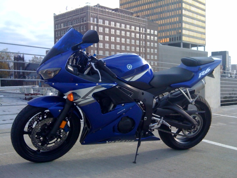 R6 Yamaha 2004 http://www.city-data.com/forum/classified-ads/661528-fs-2004-yamaha-yzf-r6.html
