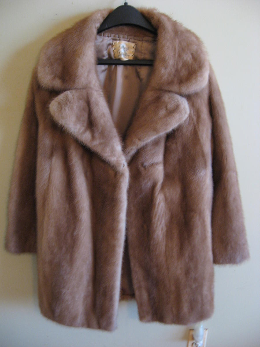Vintage Fur Coat Photo Album - Reikian
