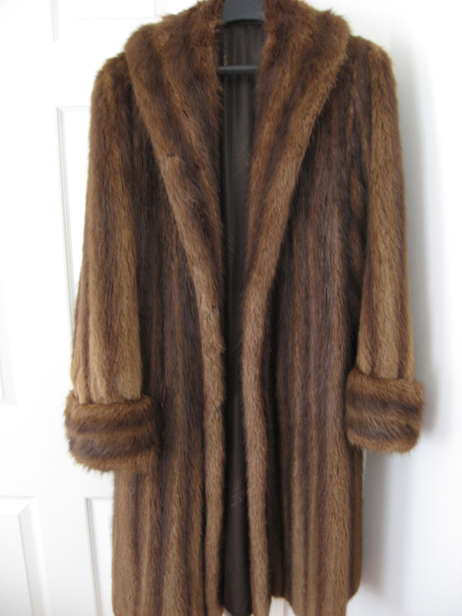 Vintage Fur Coats For Sale - Classified Ads -Buy and sell
