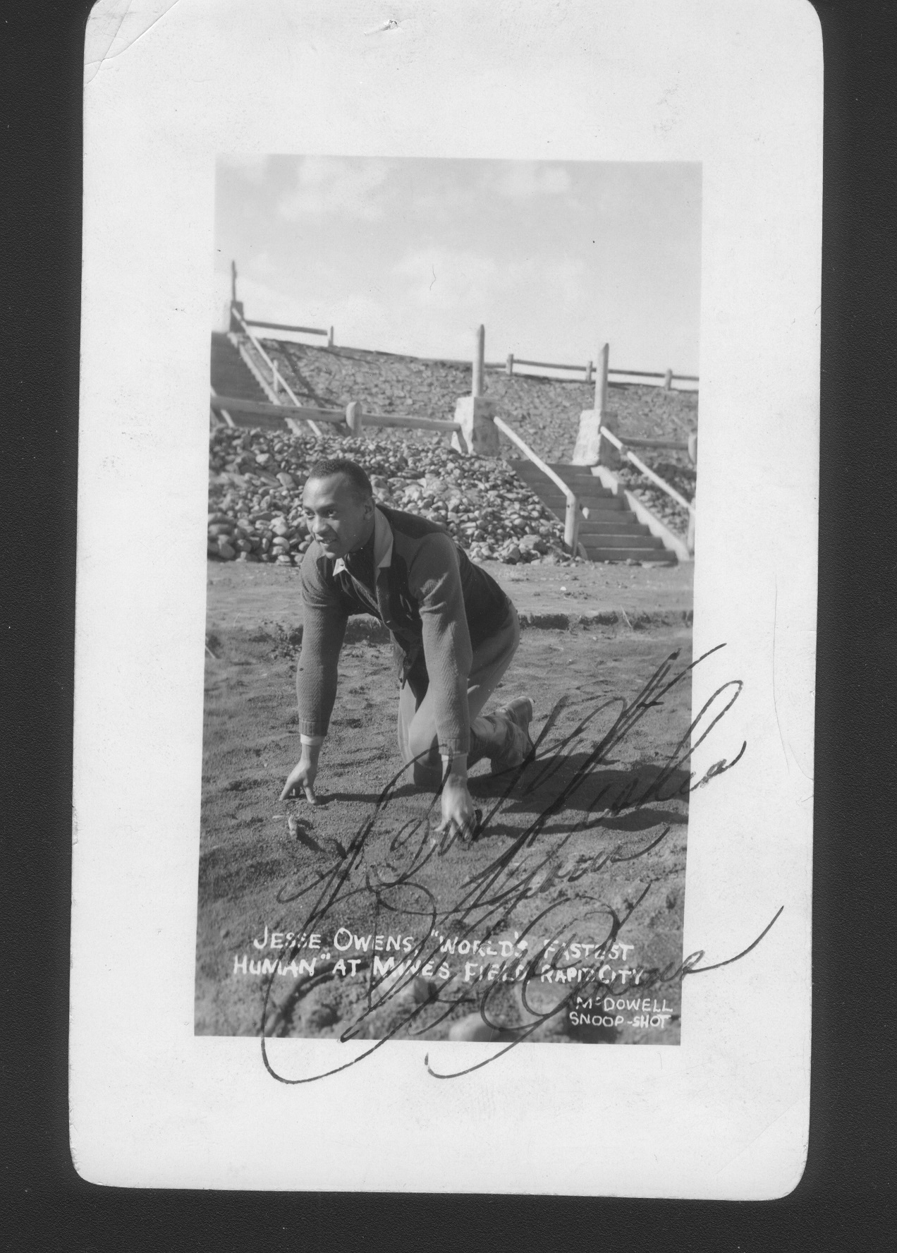 jesse owens photo autograph collector sports purchase prices  jesse owens photo autograph jo 1 resize jpg