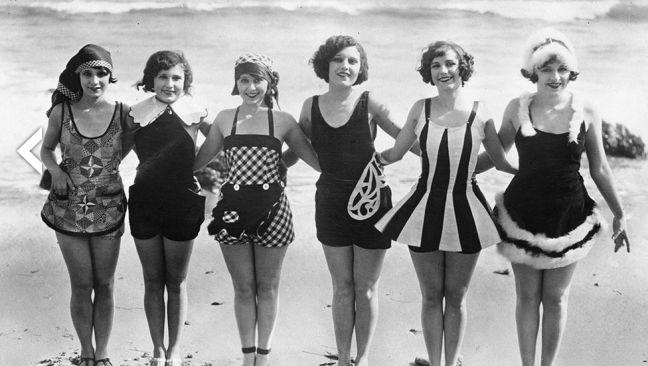 Vintage beach photos before the bikini was popular cut - Costumi da bagno del 1900 ...