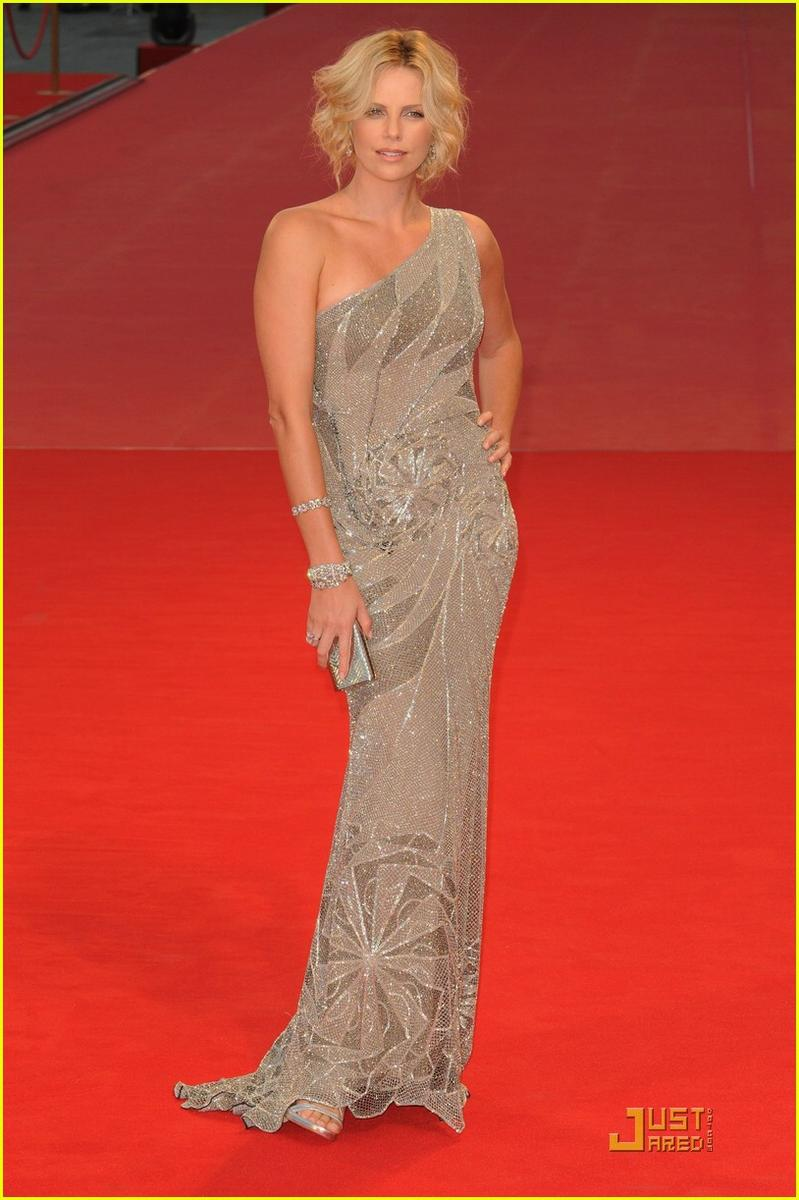 Charlize Theron - Versace | Full Body Special Event Style | Pinterest