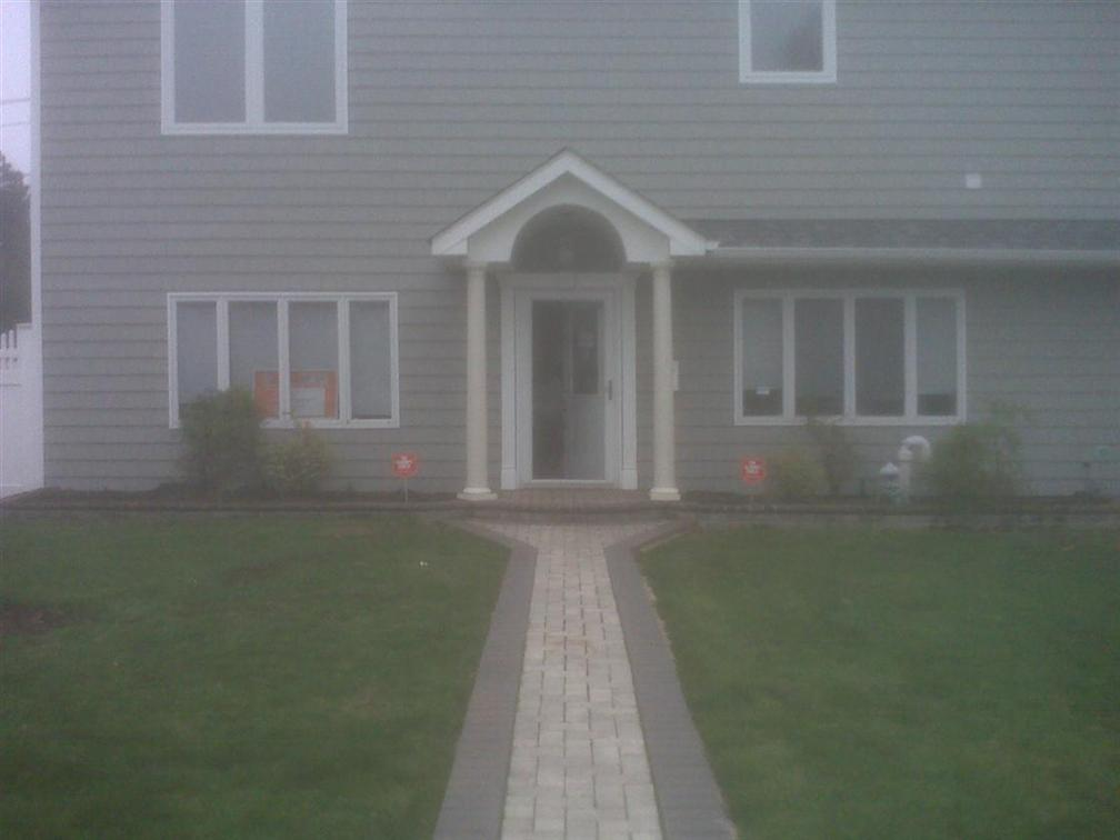 Need Some ideas for the front of my house (flowers, lawn ...