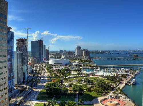 من اجمل المدن العالميه مدينه ميامى بامريكا 21460d1213392646-honolulu-miami-mi1.jpg