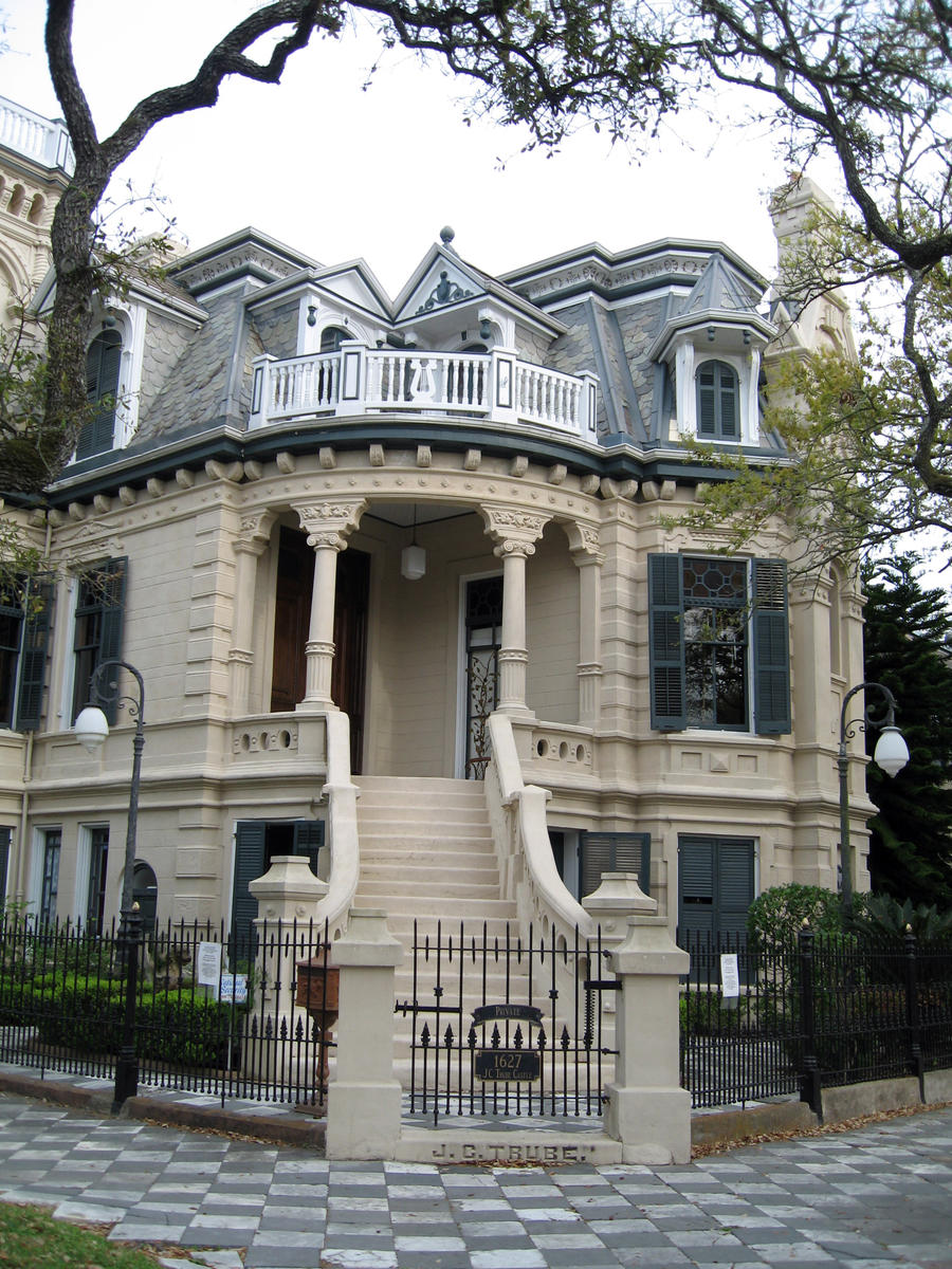 Most beautiful historic residential neighborhood in u s for Beautiful classic houses