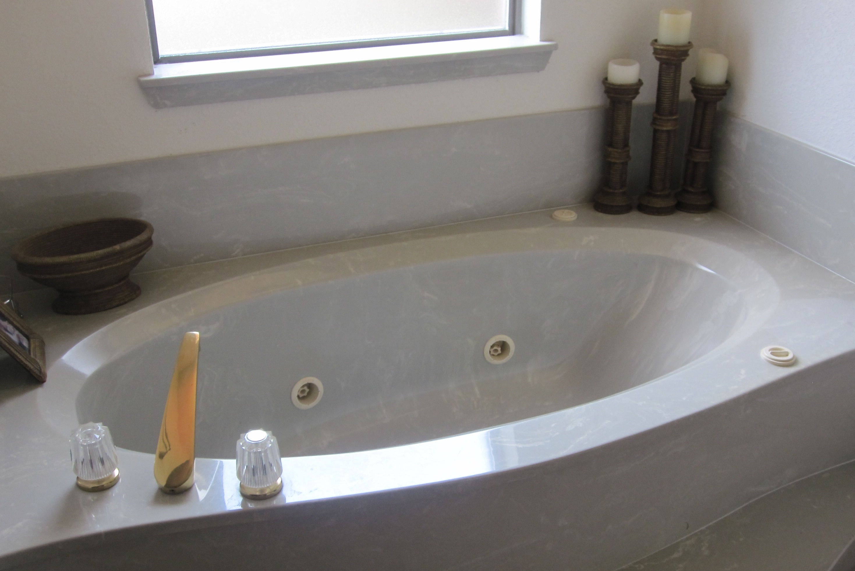 bathroom wall paintNeed bathroom wall paint color suggestion panels countertop