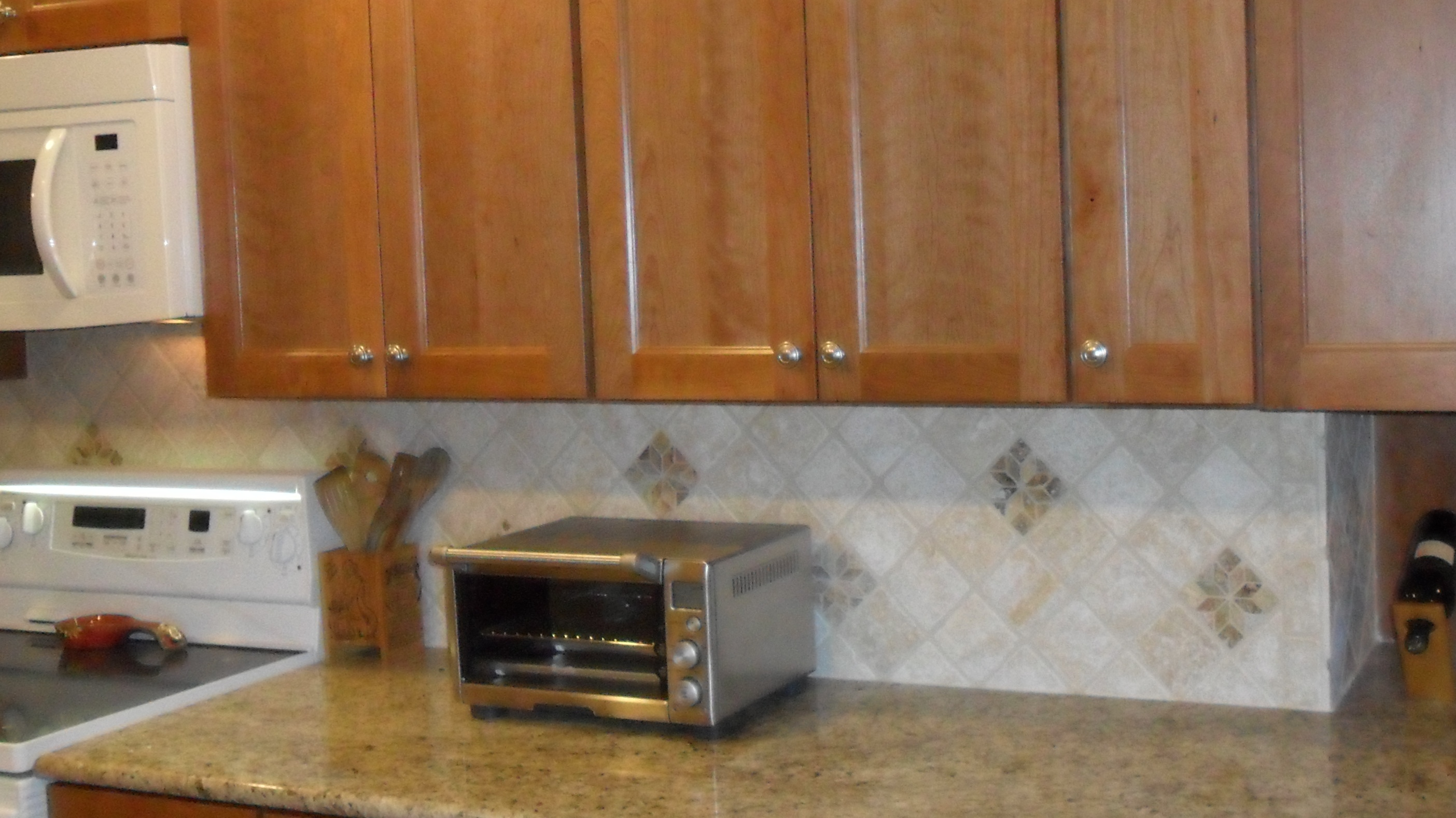 Traditional Backsplash Ideas For Kitchen Counter Cabinet Match