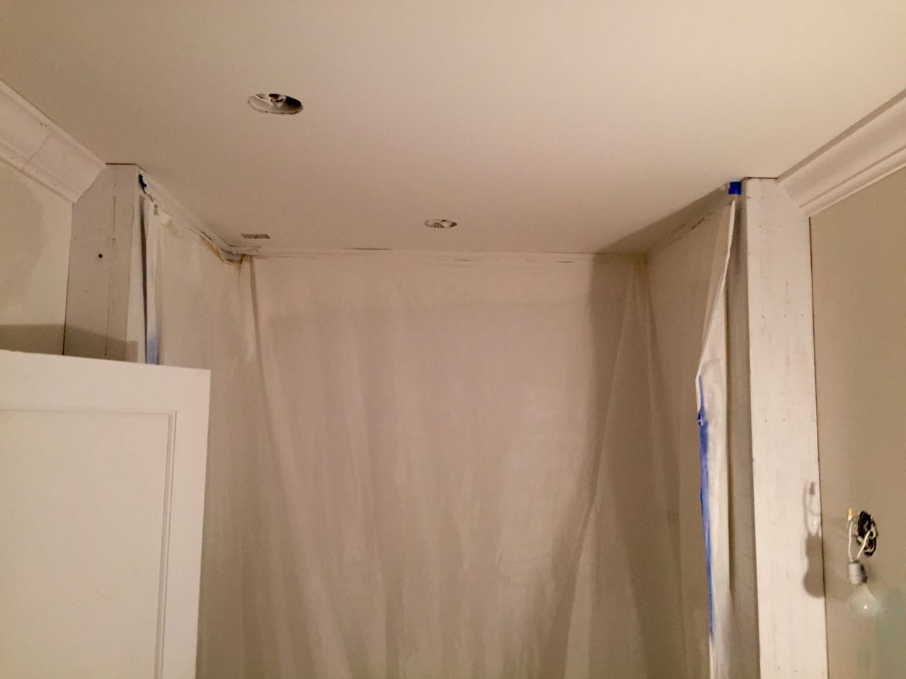 Should This Crown Moulding Have A Return Painted Tiles Grout - Crown molding for bathroom