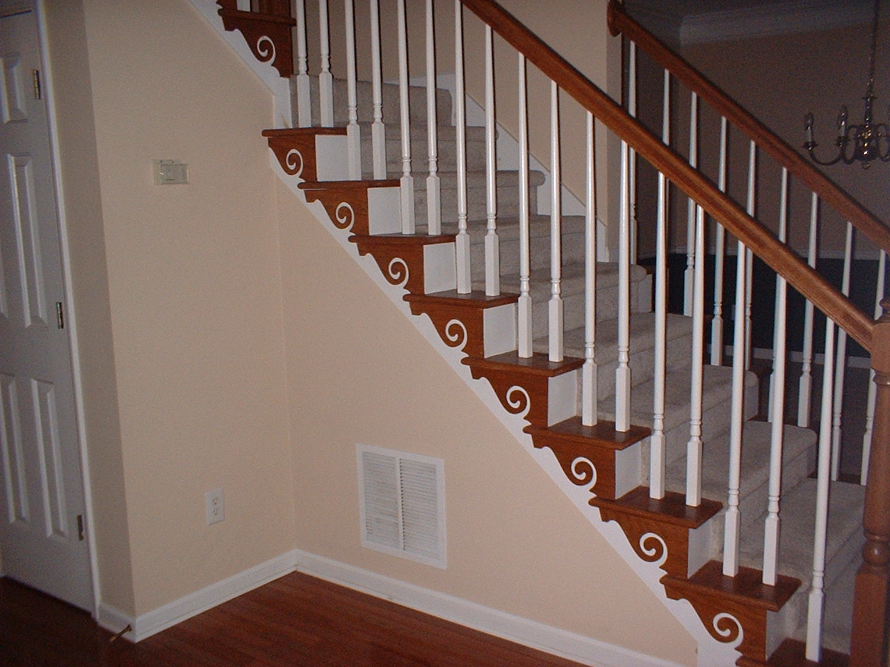 Best decorating ideas for 2 story foyer staircase color for Foyer staircase ideas
