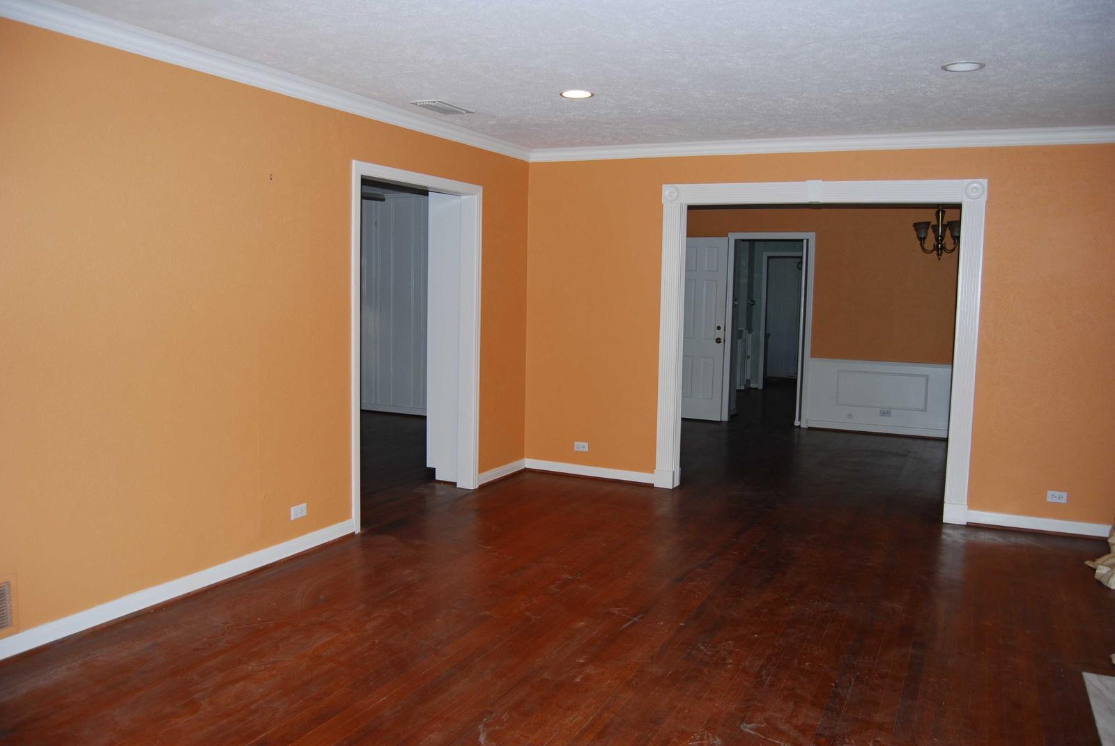 Look at pics and help suggest wall color. :) (hardwood floors, paint ...