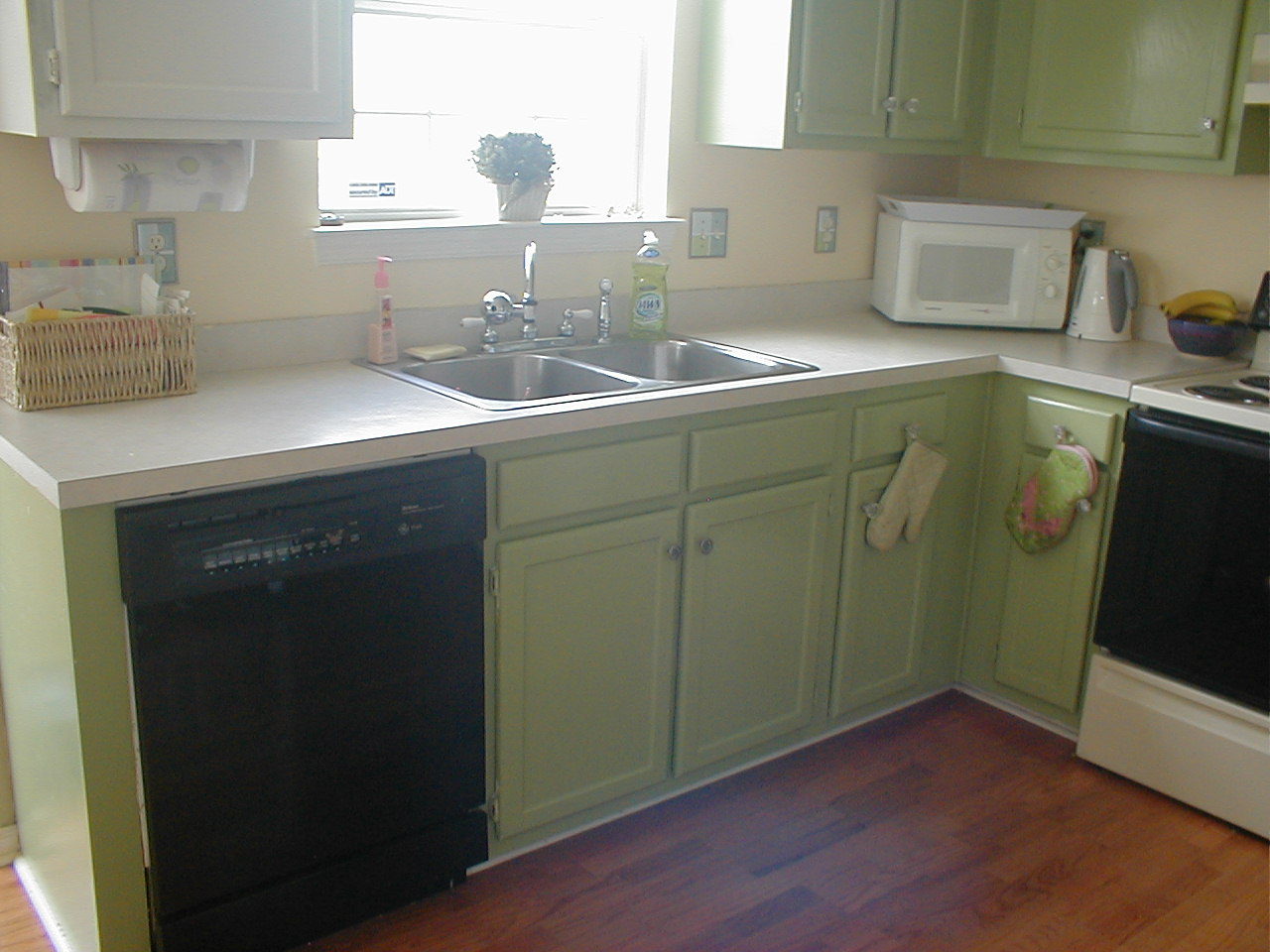 sprucing up kitchen cabinets rooms
