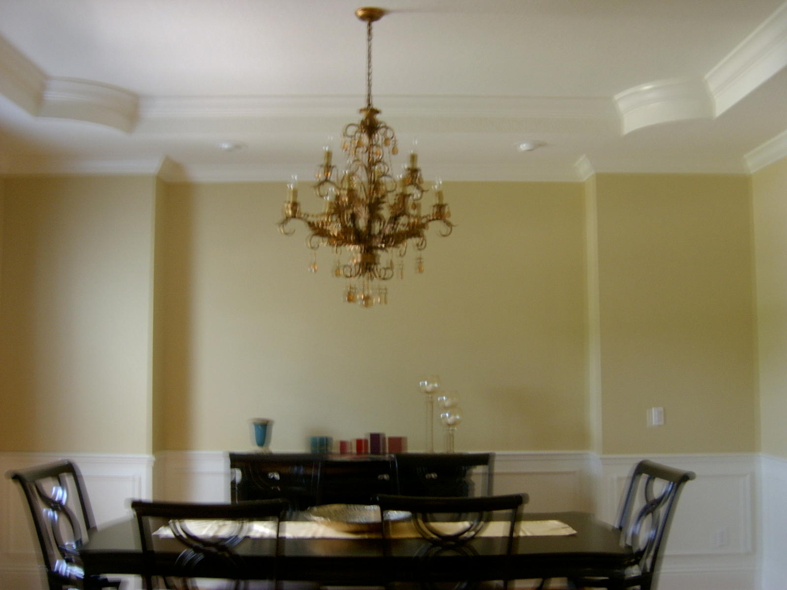 Dining room help molding borders walls floors paint for Dining room wall designs