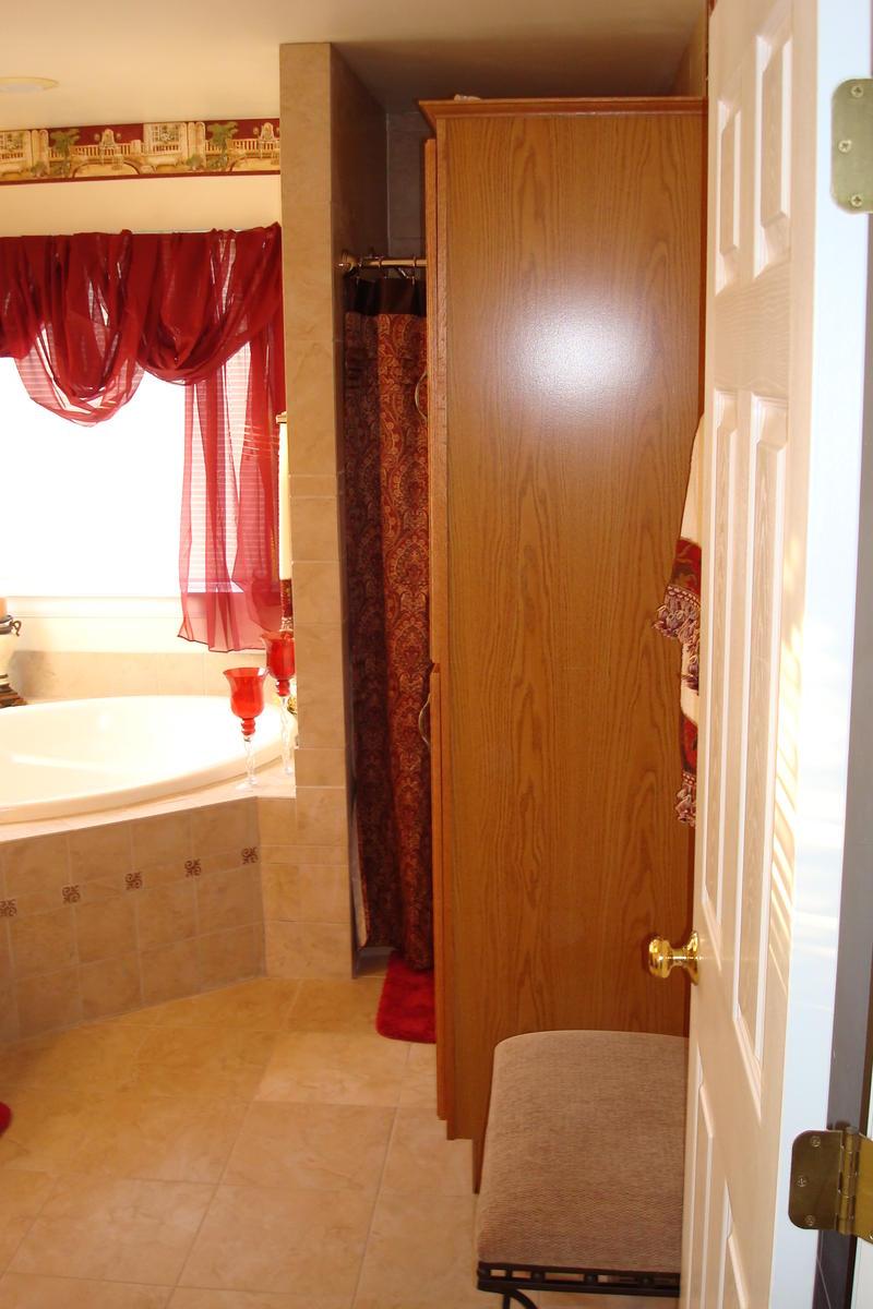Bathroom Renovation Za Hut 002