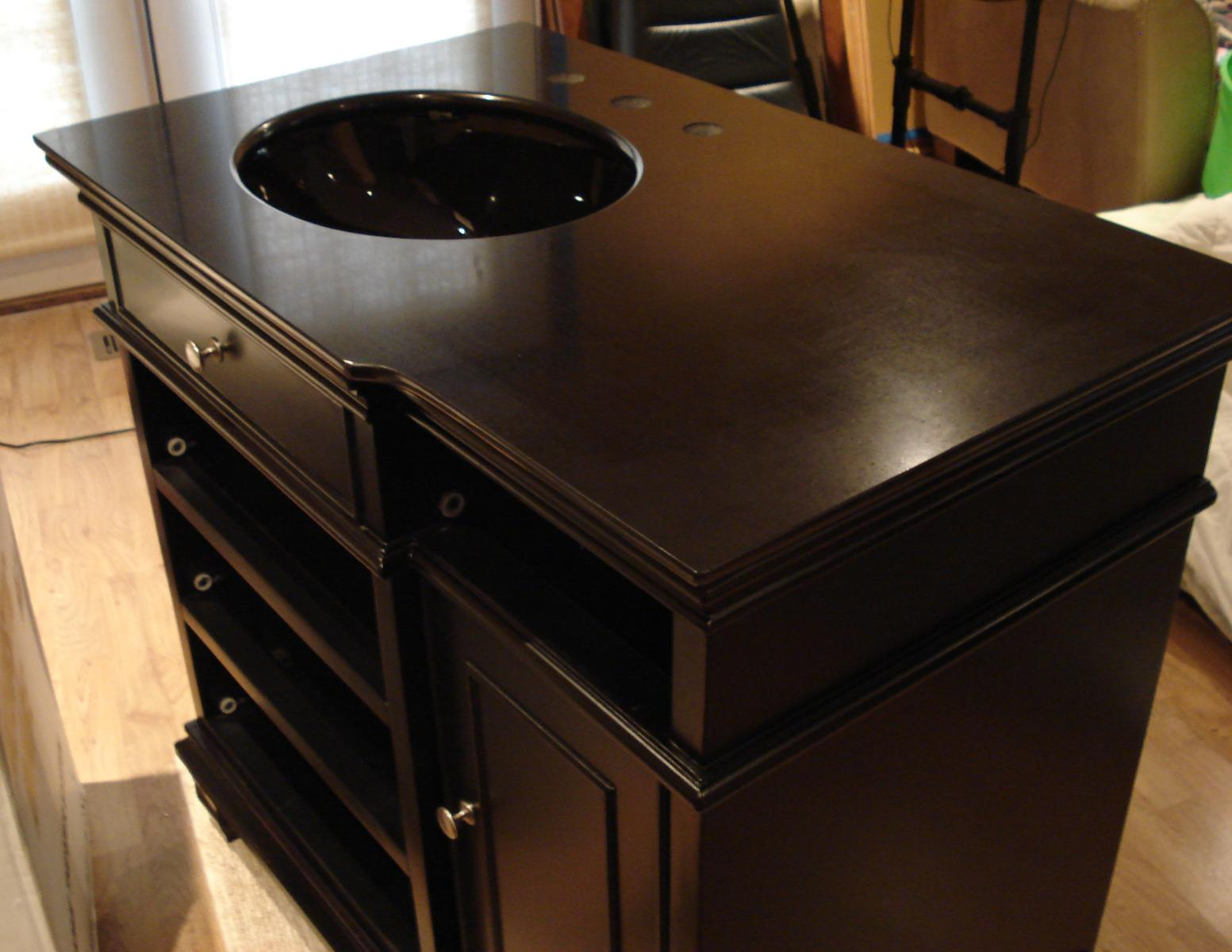 Countertop Paint Black : What color blue is best with black vanity, tiolet & nickel accessories ...