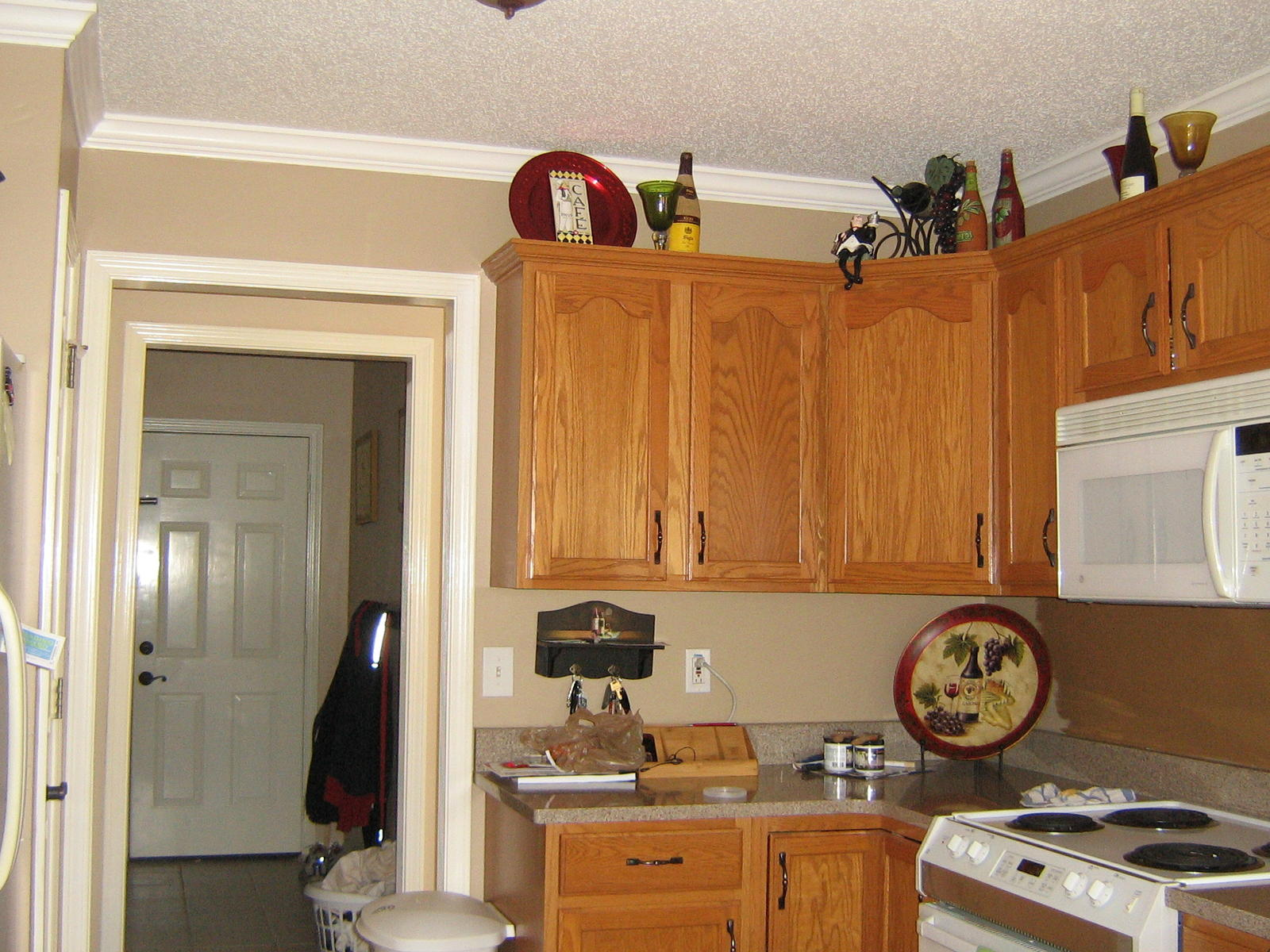 Please help choosing paint color for kitchen cabinets for Kitchen cabinet paint colors ideas
