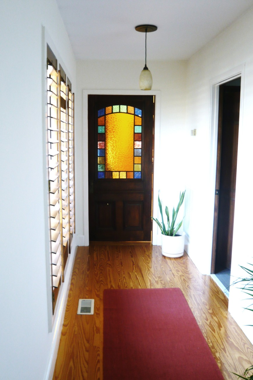 Updating Our 1980s Ranch To Sell Panel Loft Color