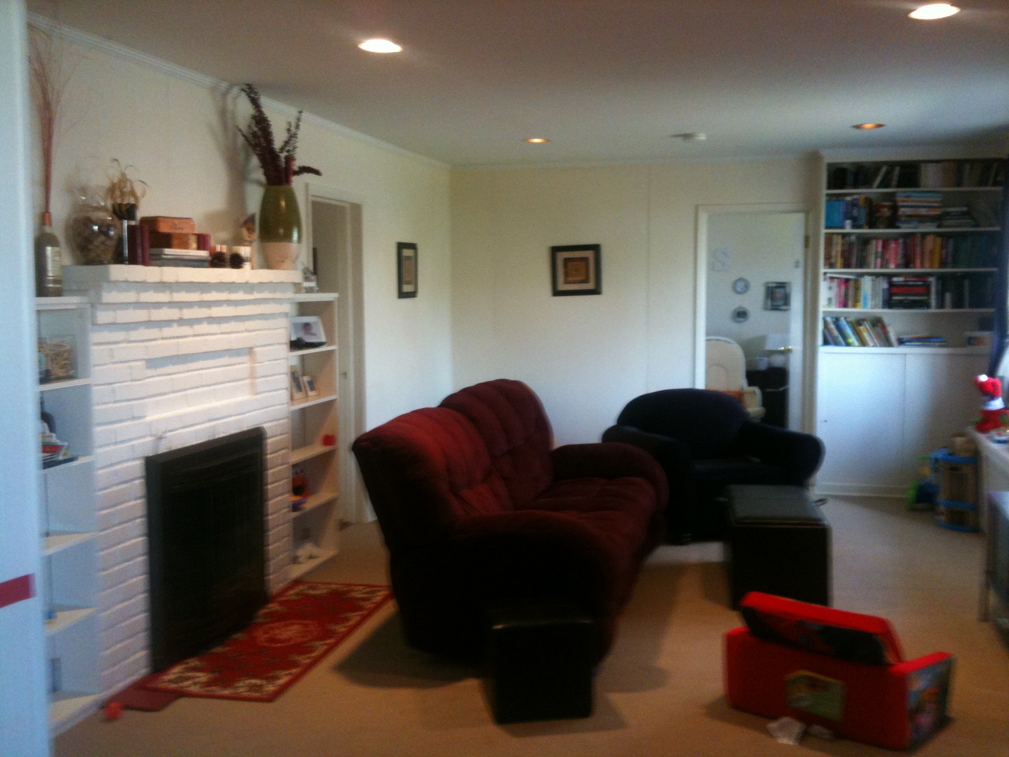 How would you arrange my living room? (pics) (flooring, fireplace ...