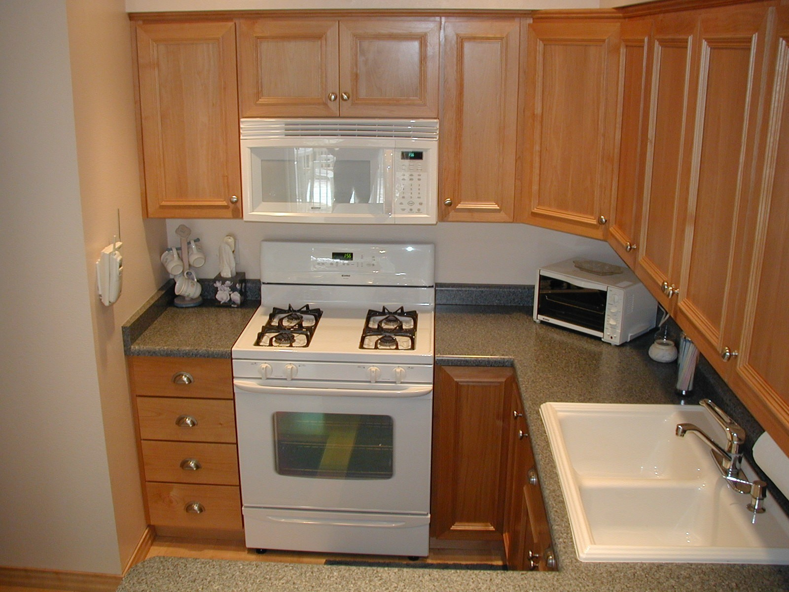 Need Web Site for Cabinet and Door Hardware kitchen cabinet
