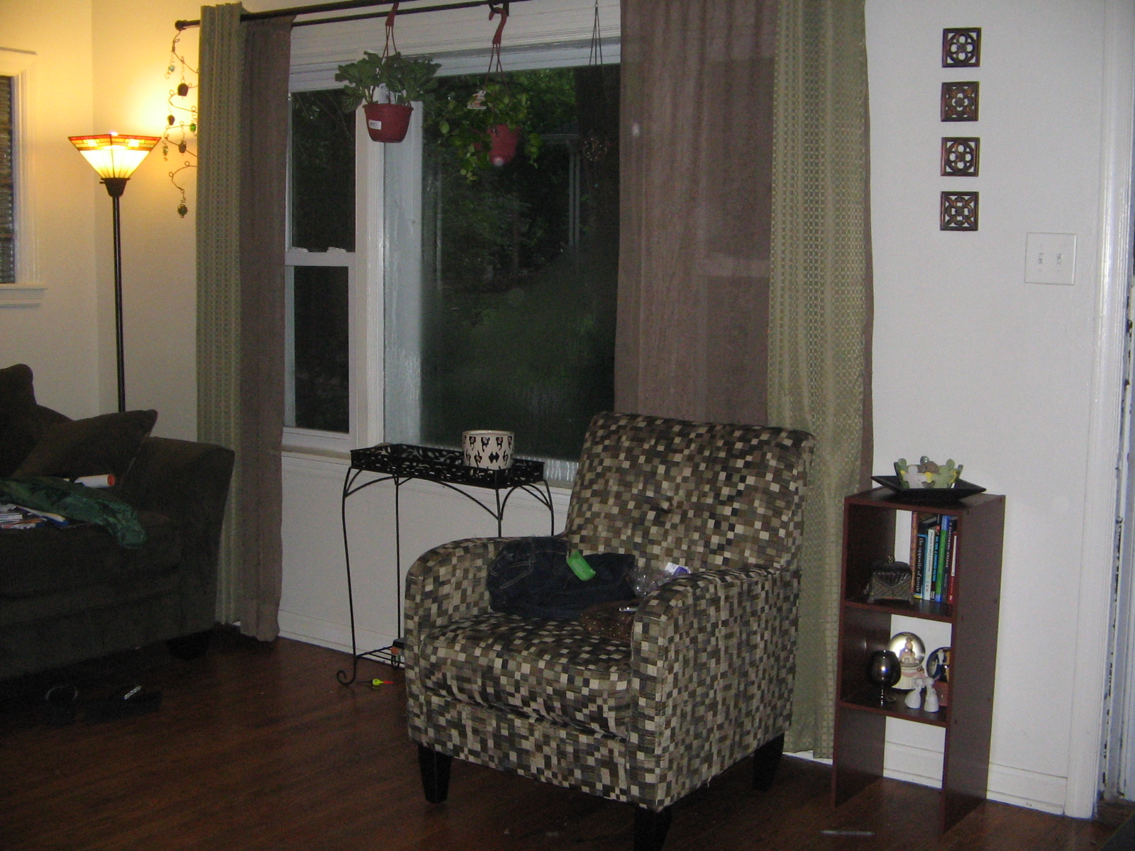Blank Living Room Wall Need Help! (mirror, Floor, Paint. Yellow And Black Living Room. Classy Living Rooms. Yellow Walls Living Room. Magazine Living Room Ideas. Living Room Kc. Living Room Curtains And Drapes Ideas. Shelves In Living Room. Decorating A Large Wall In Living Room