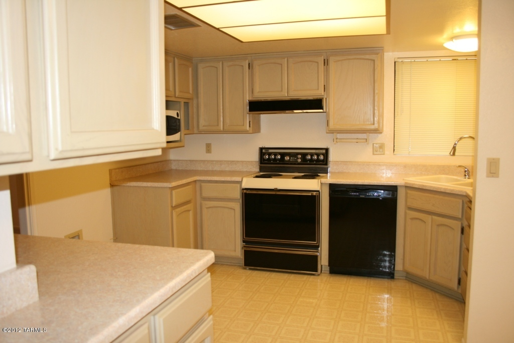 Would Love Ideas Suggestion For Inexpensive Kitchen Makeover Kitchen2 Jpg