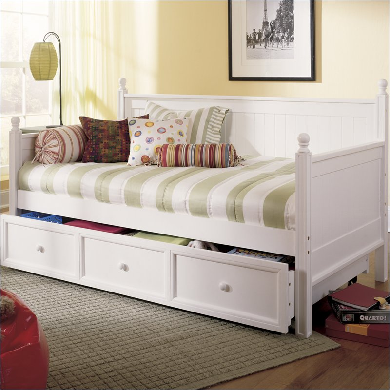 Daybed Trundle Or Futon For Guest Sewing Room Pics