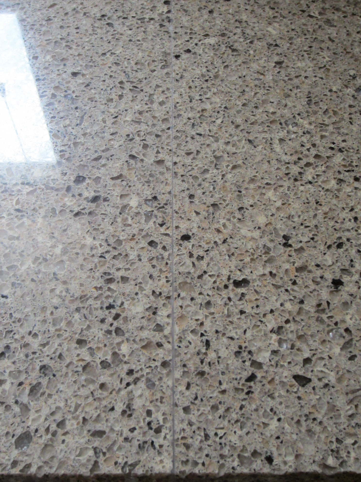 Bad quartz countertop seam home interior design and for Seamless quartz countertops