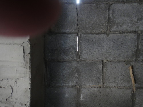 Vertical Foundation Crack How To Fix It Sink Building