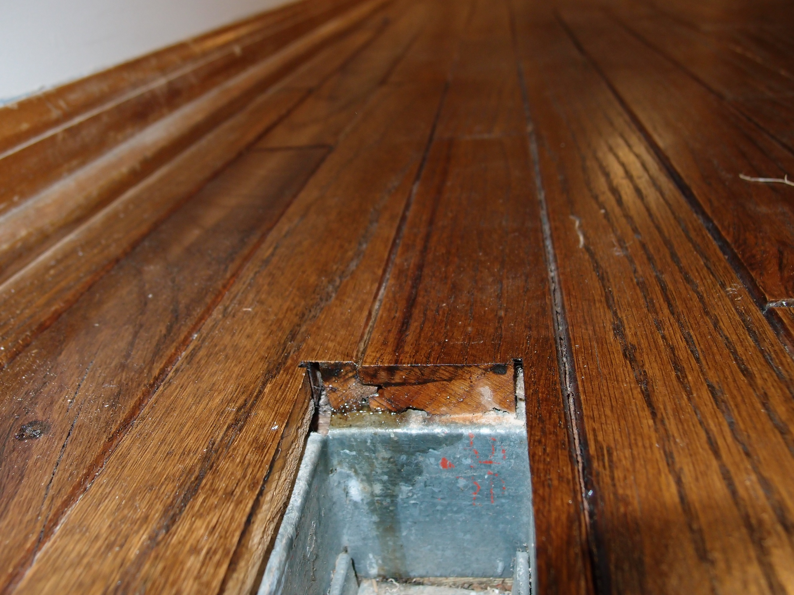 Refinishing Hardwood Floor With Edge Groove P2138462
