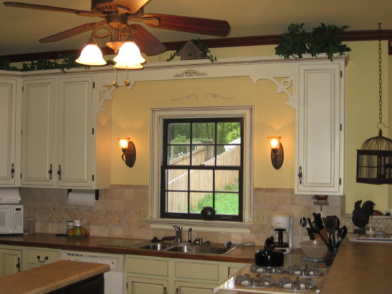 kitchen cabinets with handles on center panel ugh img_0441_1jpg - Kitchen Knob And Handles