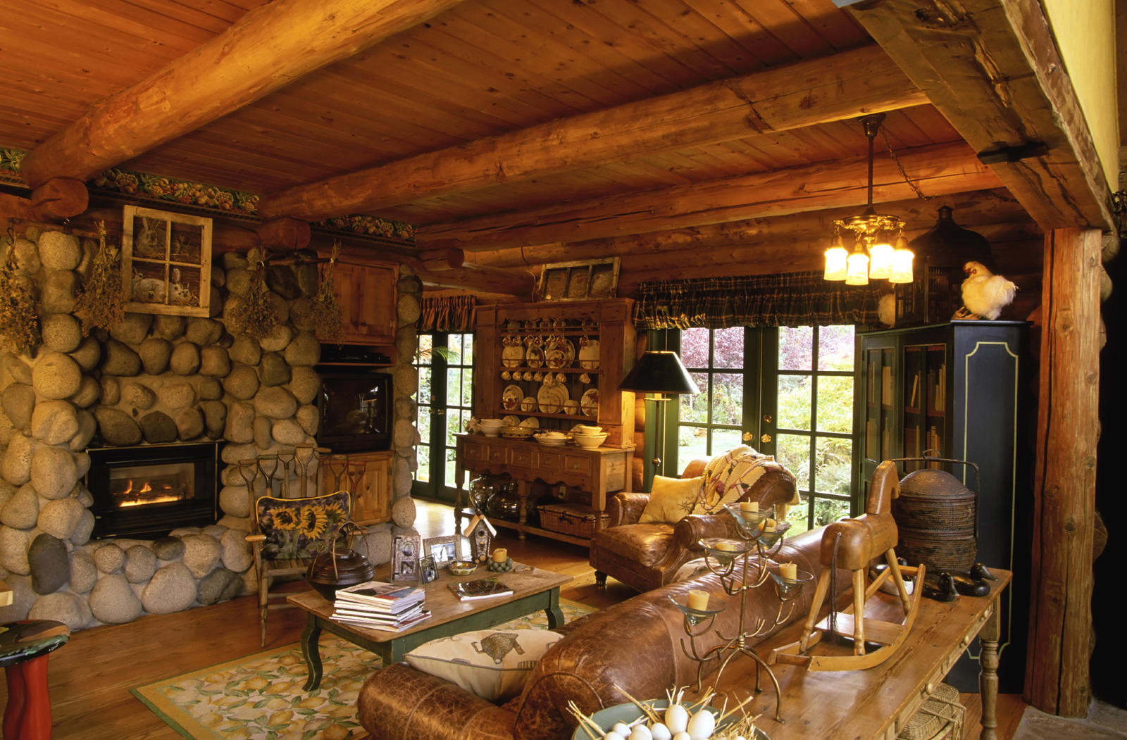 ... Log Homes   Pros And Cons ? Interior Living Room Log