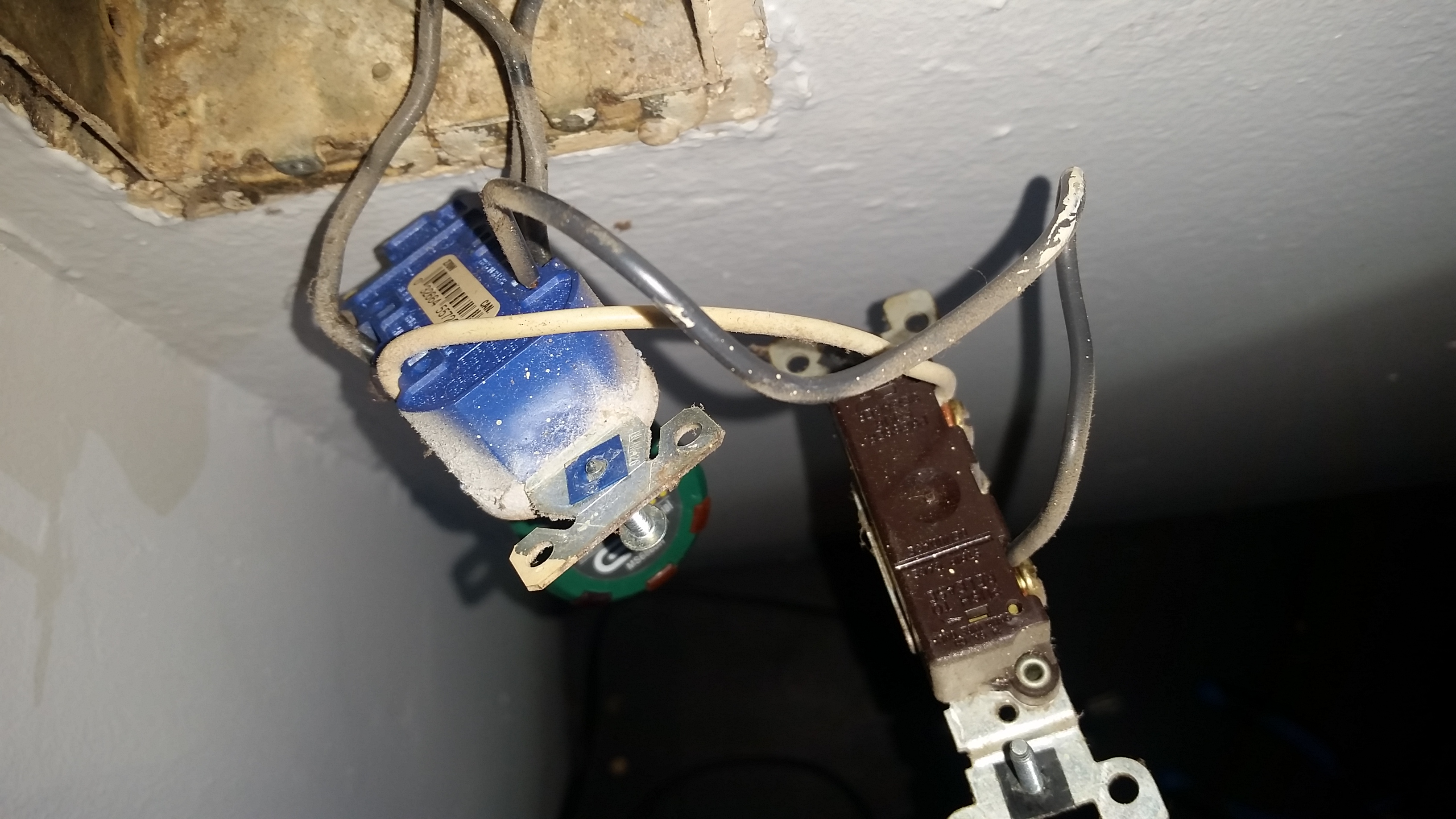 Funny Household Wiring Issue Insulating Lights Electrical Better Of 20160730 233555