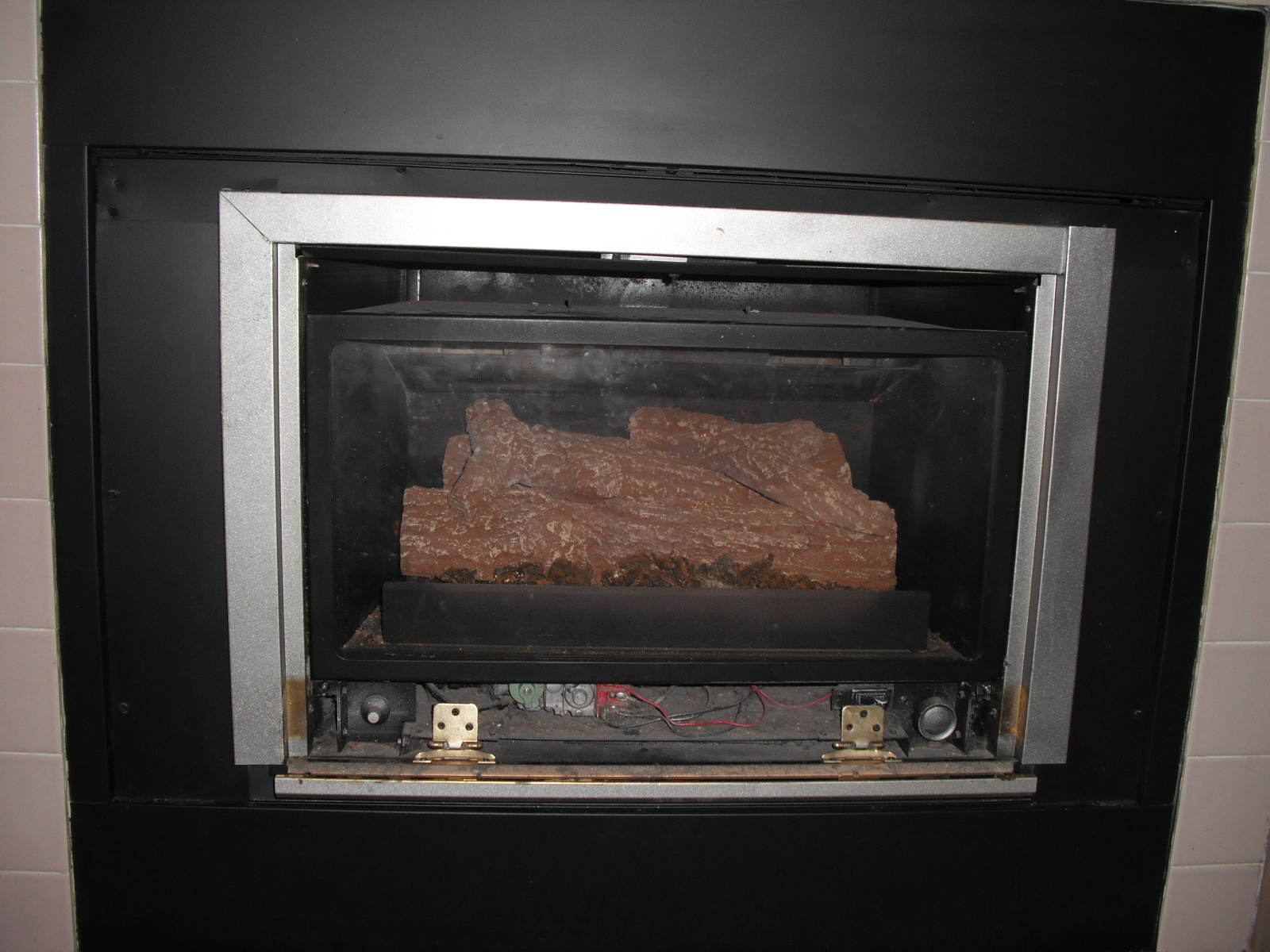 Open fire places how to build an open fireplace appealing for Open sided fireplace