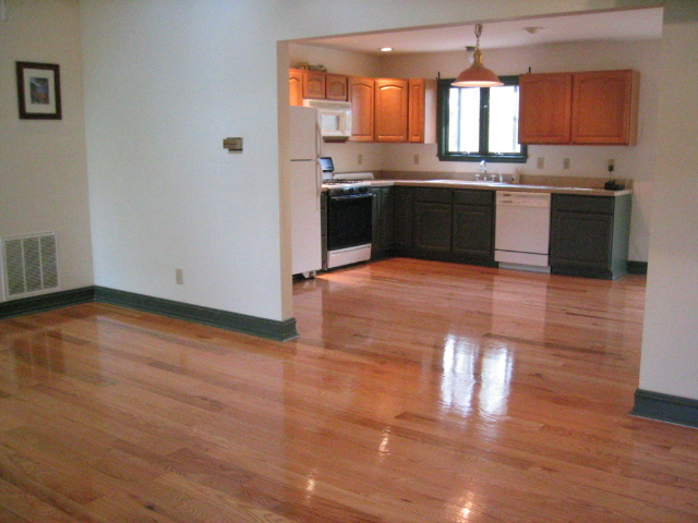 Hardwood or tile for entry and kitchen hardwood floors for Hardwood floor tile kitchen