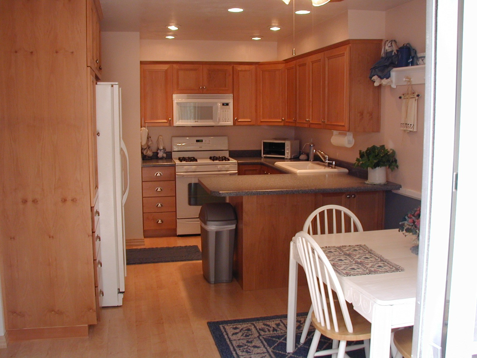 Wood Floor In The Kitchen Kitchen Cabinets Wood Floors Granite Home Depot Lowes House