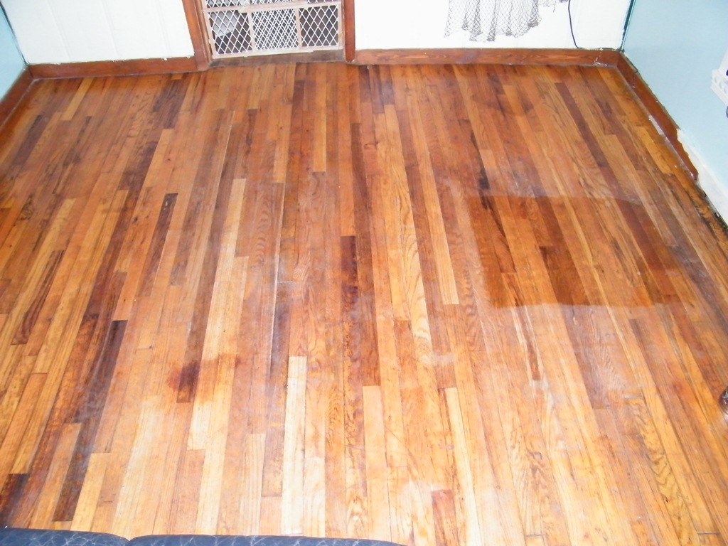 Old hardwood floor refinishing vacuum paint dining room for Wood floor refinishing