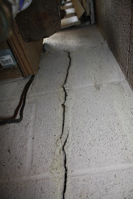 how to fix a cracked foundation on a house