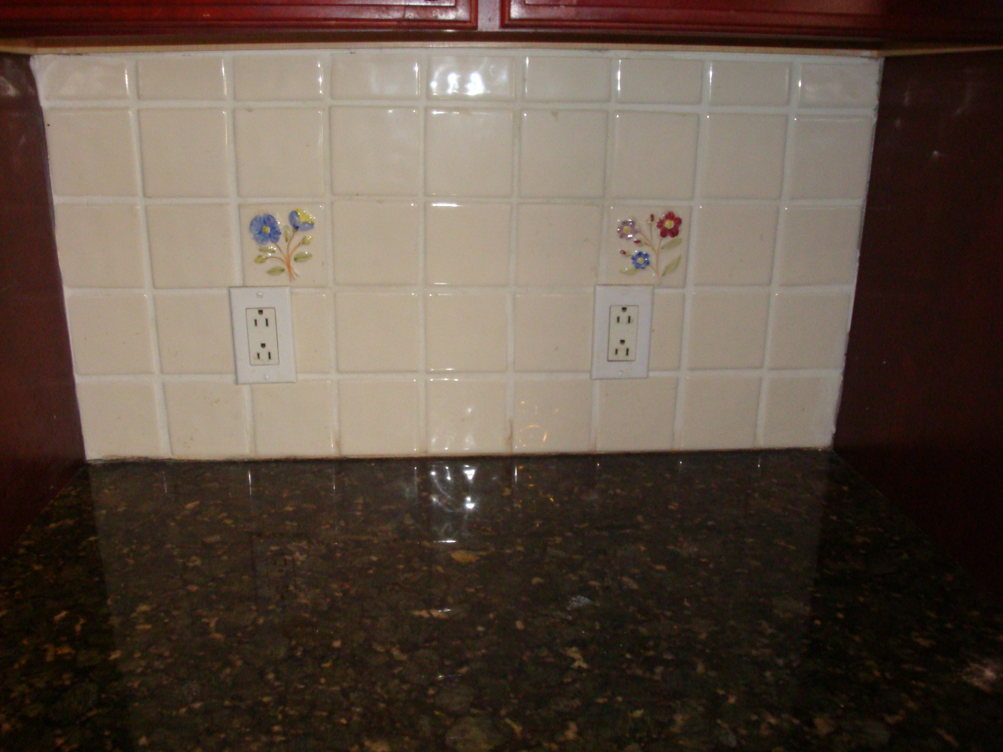 Replacing kitchen backsplash granite countertops for Can you replace kitchen cabinets without replacing countertop