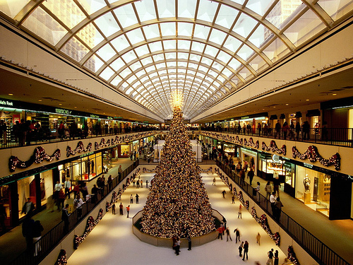 HOUSTON - Several new retailers and new store locations will be opening at The Galleria Mall. The mall will provide new clothing stores, another makeup store, a spa and dining places, which mean.