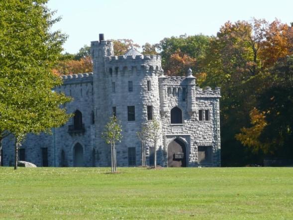 ... Long Island Pictures-castle.jpg ...