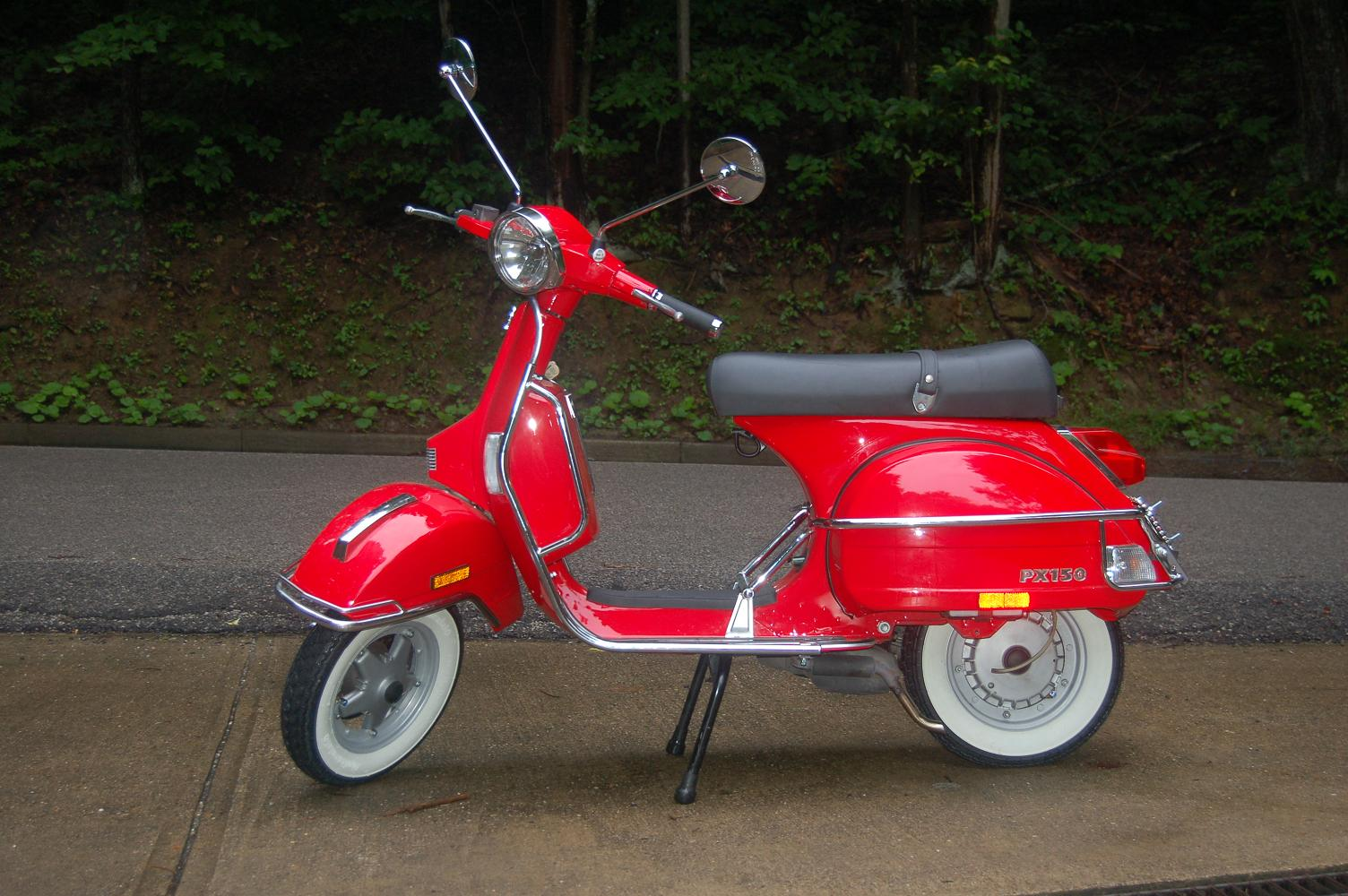 moped vespaclass=cosplayers