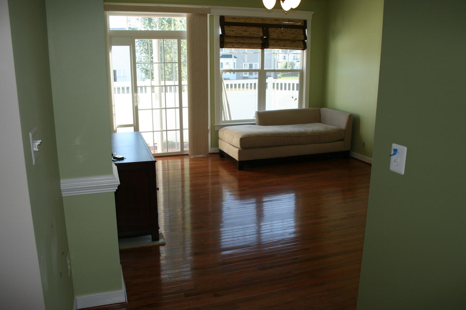 Looking for someone to install hardwood floors chantilly house looking for someone to install hardwood floors img0879g solutioingenieria Image collections