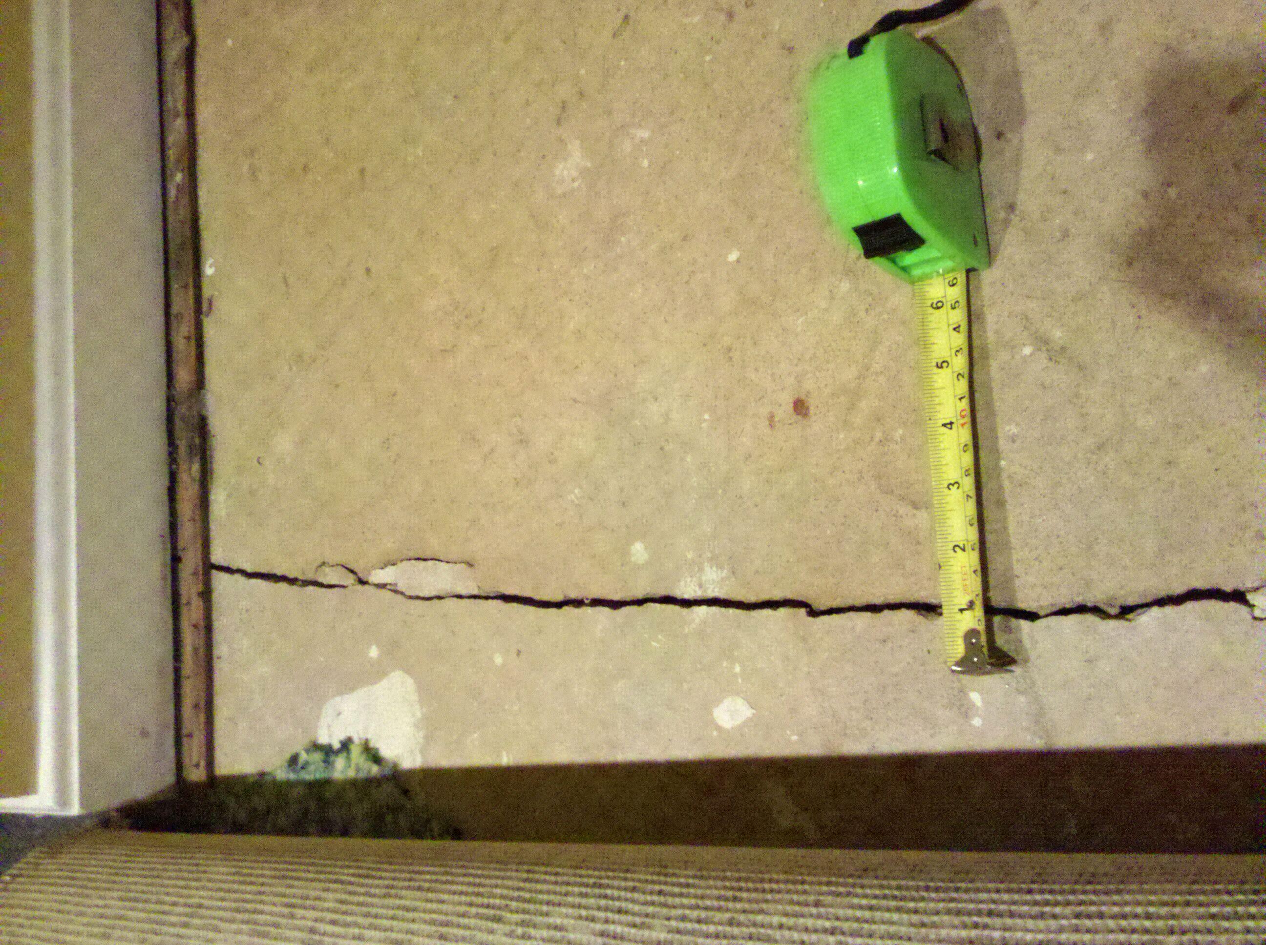 Basement Concrete crack 1/8\'\' (Winchester, Fairfax: short sale ...