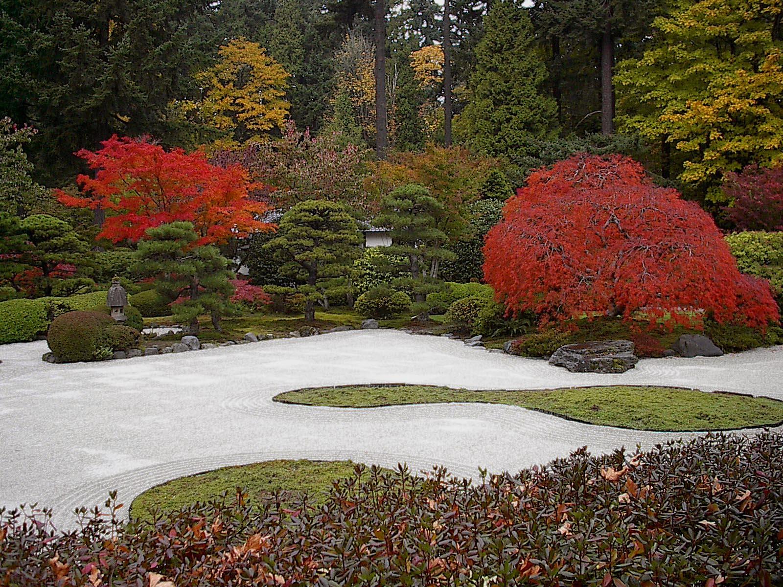 Японский сад Религии Японии дзен буддизм и синтоизм учат тому   Японский сад Религии Японии дзен буддизм и синтоизм учат тому что созерцание природы или ее уголков преображенных человеком помогает приблизиться к